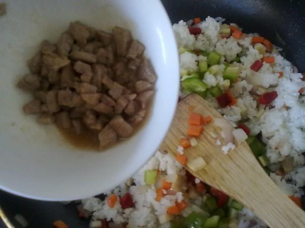牛肉炒饭套餐怎样做