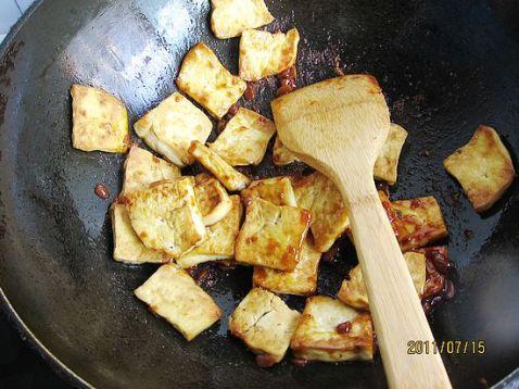 黄豆酱炒豆干的简单做法