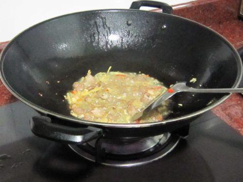 花蛤炒瘦肉怎么炒