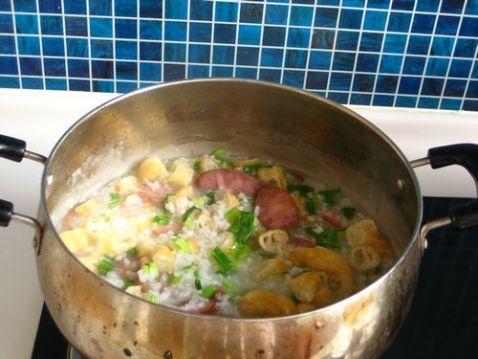 腊肠油条香米粥怎么煮