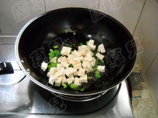 小炒芹菜豆腐怎么吃