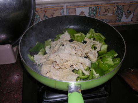 辣椒炒腐皮怎么煮
