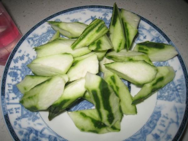 奶香石斑丝瓜汤的简单做法