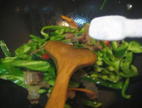 腊肉炒柿子椒怎么煮