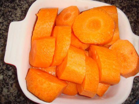 胡萝卜牛蒡汤的家常做法