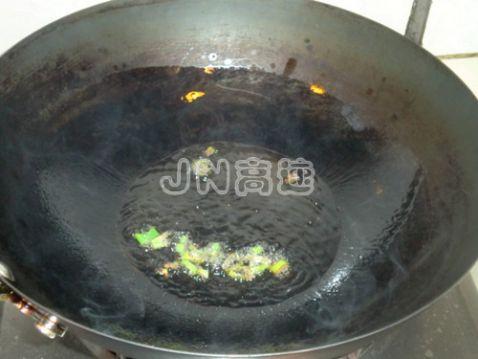 火龙果炒虾仁的简单做法