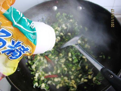 黄豆芽炒雪菜怎么煮