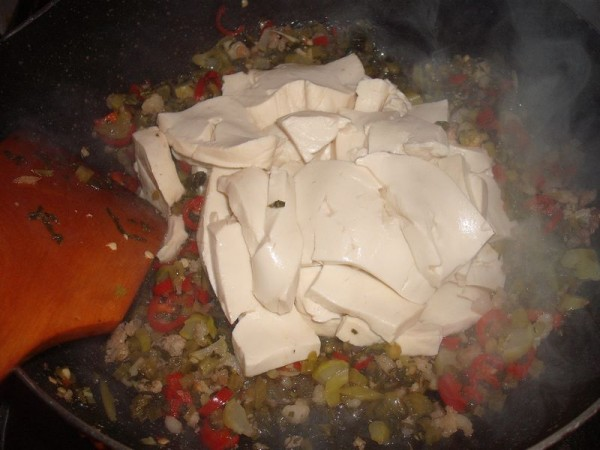 雪菜肉末烧豆腐怎么炒