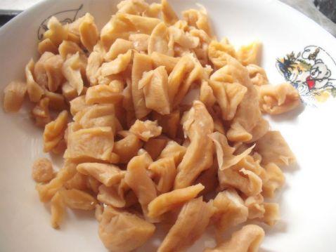 萝卜干炒石斑鱼肚的做法图解