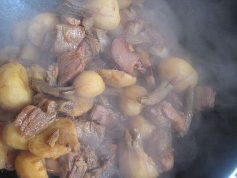 腊肉慈菇烧排骨怎样炖