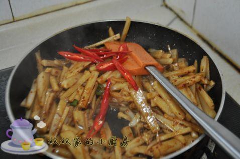 牛肉酱炒藕条怎么煮