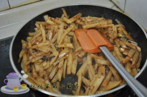 牛肉酱炒藕条怎么炒