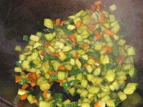 黄瓜胡萝卜丁的简单做法