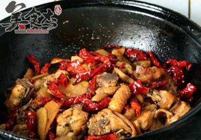 新疆大盘鸡怎么吃