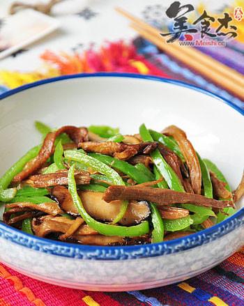 笋干香菇炒青椒的家常做法