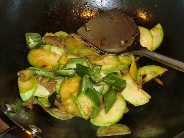 笋瓜青椒炒里脊怎么煮