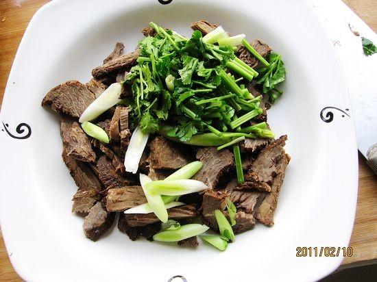 凉拌风味牛肉的简单做法