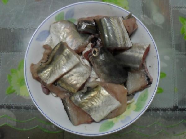 酸菜焖鳗鱼的做法大全