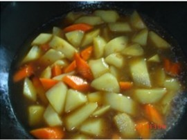 孜然土豆扒西兰花的简单做法