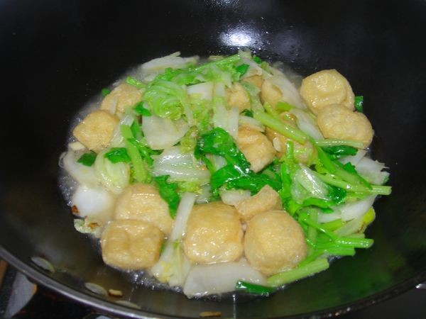 大白菜焖油豆腐怎么做