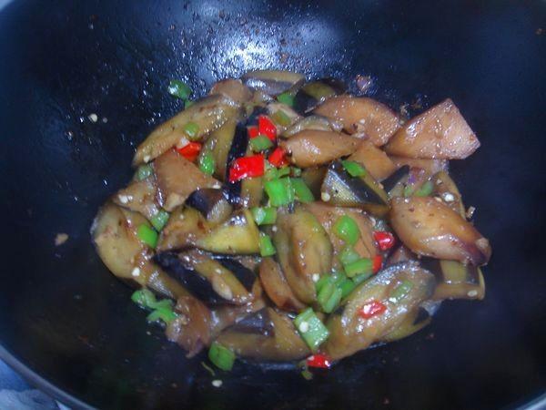 蚝油椒粒烧茄子怎么做