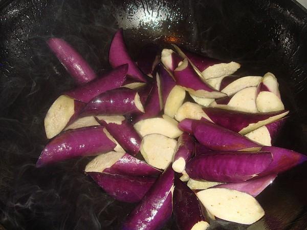 茄子炖辣椒的简单做法