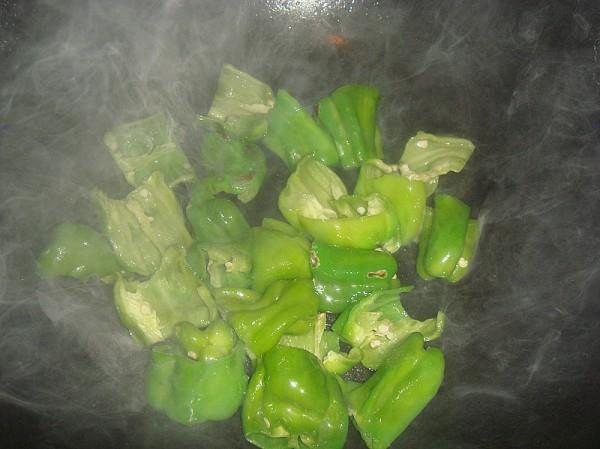 茄子炖辣椒的家常做法