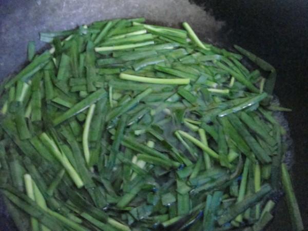 凉拌韭菜的家常做法