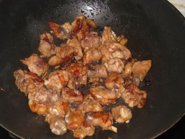红葱头鸡煲的家常做法