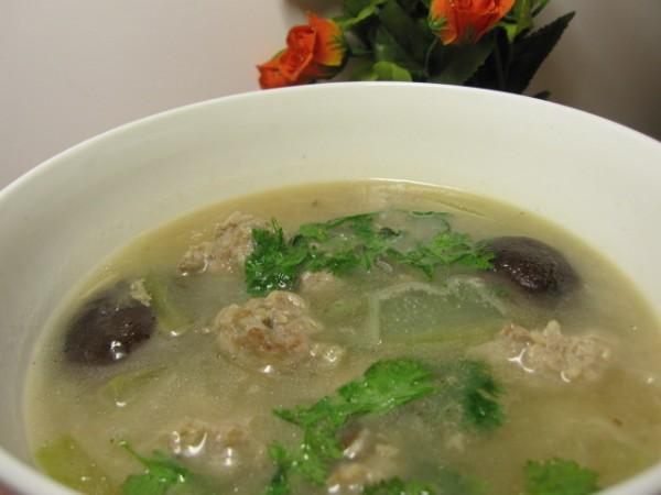 鲜肉丸子冬瓜香菇汤怎么煮