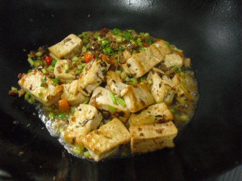 芽菜肉末豆腐怎么吃