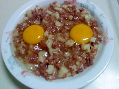莲藕肉饼蒸蛋的家常做法