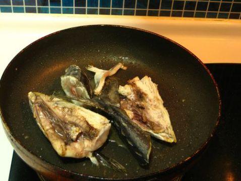 鲅鱼头焖豆腐的家常做法