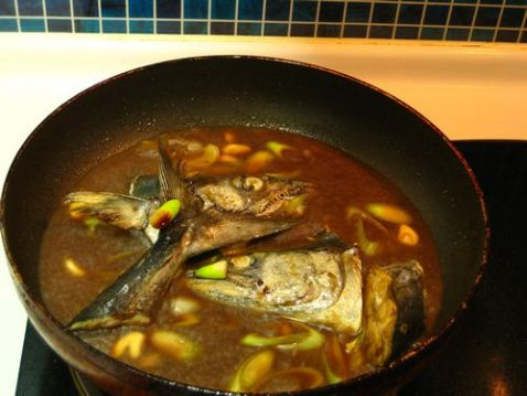 鲅鱼头焖豆腐的简单做法