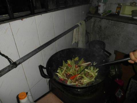 香辣猪耳的家常做法