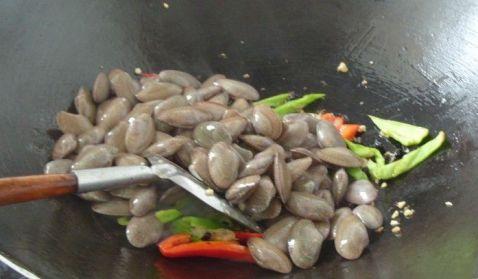 爆香文蛤的简单做法