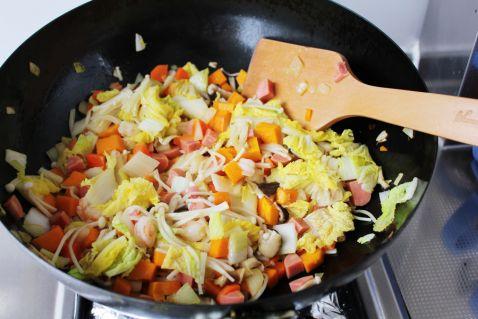 杂蔬咖喱焖饭怎样煸