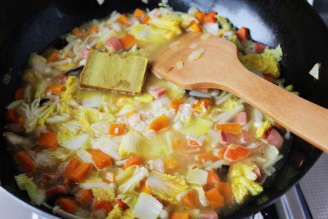 杂蔬咖喱焖饭怎样做