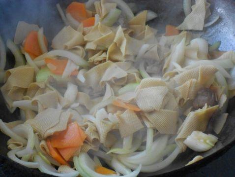 洋葱炒干豆腐胡萝卜怎么做