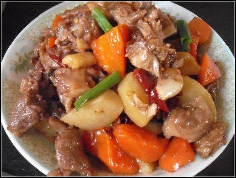红萝卜土豆烧鸭怎么吃