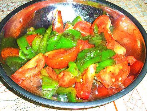 菜椒炒番茄怎么做