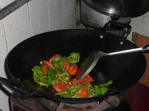 菜椒炒番茄怎么吃