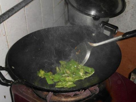菜椒炒番茄的家常做法