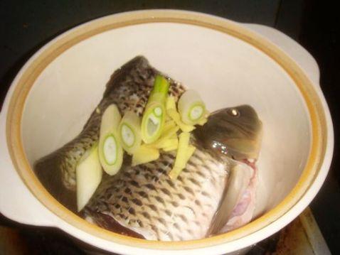 鲤鱼汤的家常做法