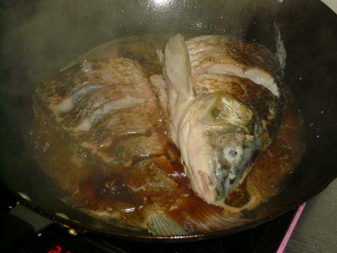 家常炖鲤鱼的简单做法