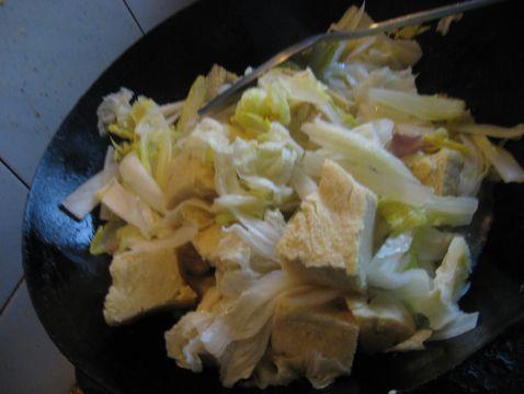 冻豆腐炖白菜怎么吃