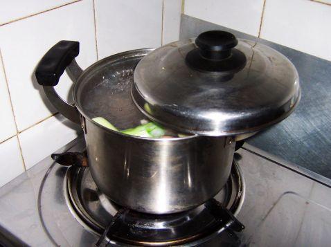 酸白菜汆白肉的简单做法