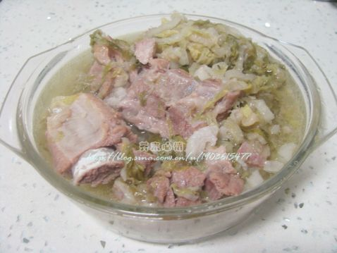 东北酸菜炖排骨怎么做