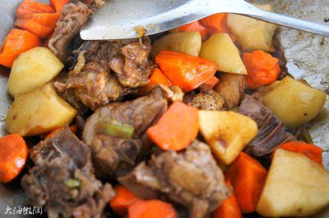 红烧鸡块炖土豆的简单做法