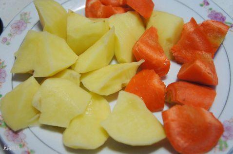 红烧鸡块炖土豆的做法图解